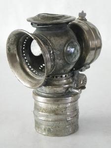 3052  Antieke Carbidlamp zonder glas  17,5 cm