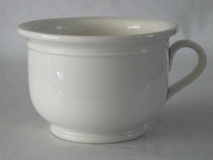3031  Witte pispot, po of nachtspiegel.  O 21,5 x H 15cm