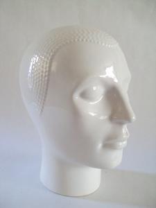 2565  Witglazen kop voor hoed of koptelefoon  +/-  25 cm